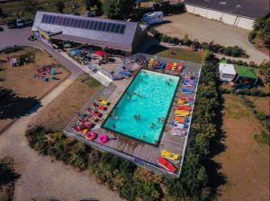3685812-piscine.jpg